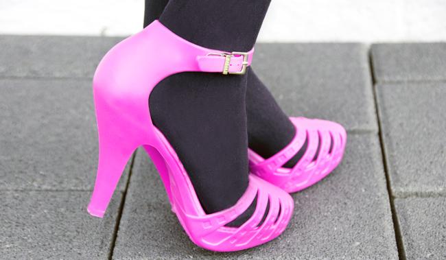 melissa shoes, pink rubber shoes, barbie shoes