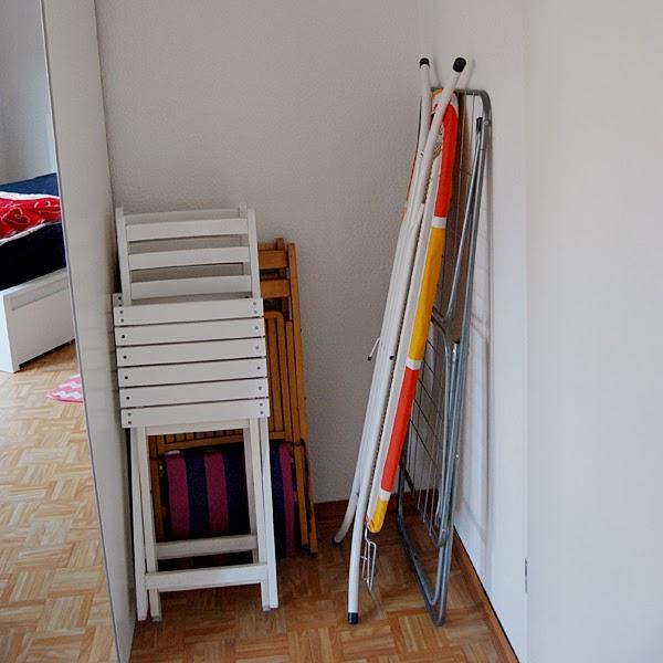 das kann weg ps die matratze und der spiegel. Black Bedroom Furniture Sets. Home Design Ideas