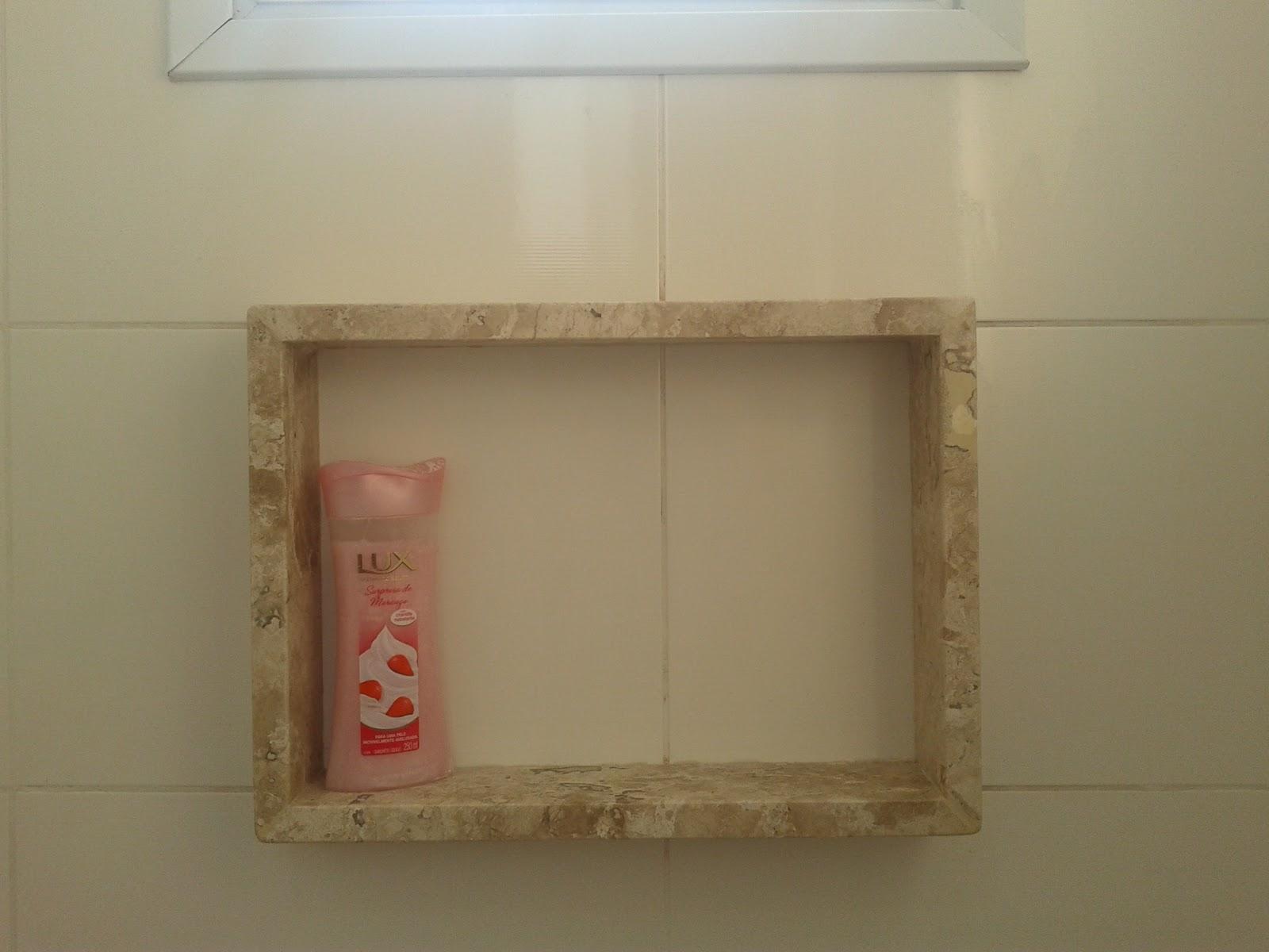 Meu primeiro Apartamento: Banheiro com mármore instalado #4E3320 1600x1200 Banheiro Com Nicho Como Fazer