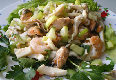 Приготовить замороженную смесь из морепродуктов
