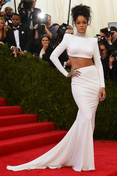 Red Carpet Met Gala 2014 Rihanna Stella Mc Cartney