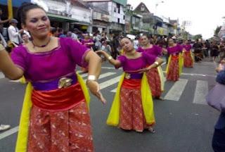 festival apeman malioboro, ada bule main gamelan