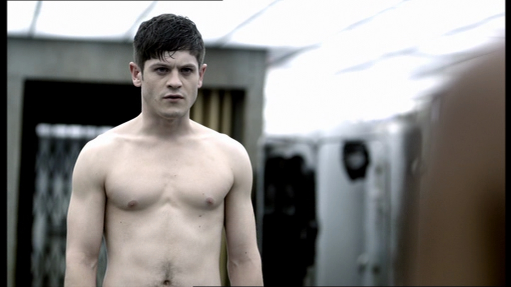 The Stars Come Out To Play: Iwan Rheon - Shirtless & Naked