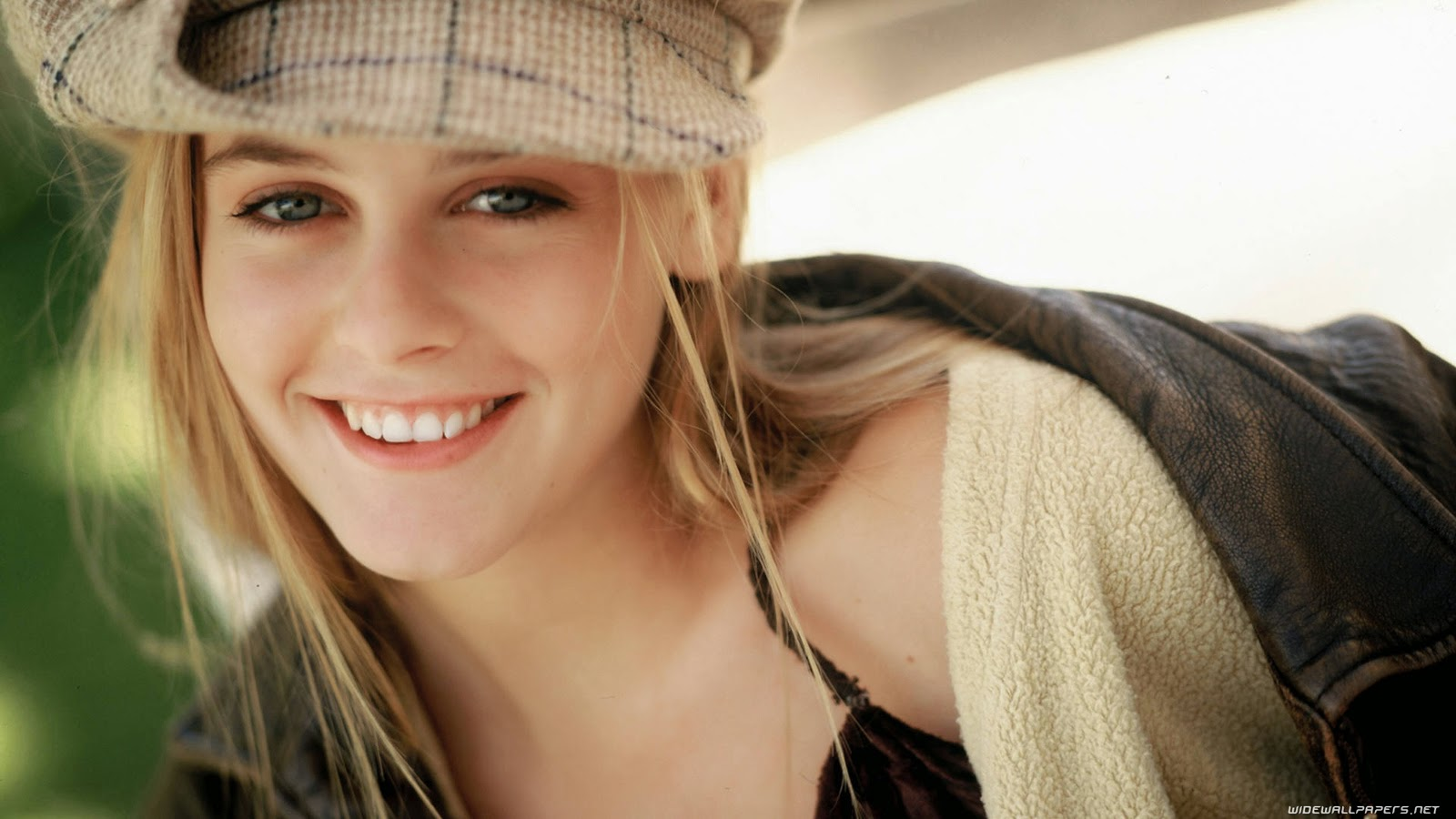 Wellcome to bollywood hd wallpapers alicia silverstone hollywood actress full hd wallpaers - Hollywood actress full hd wallpaper ...