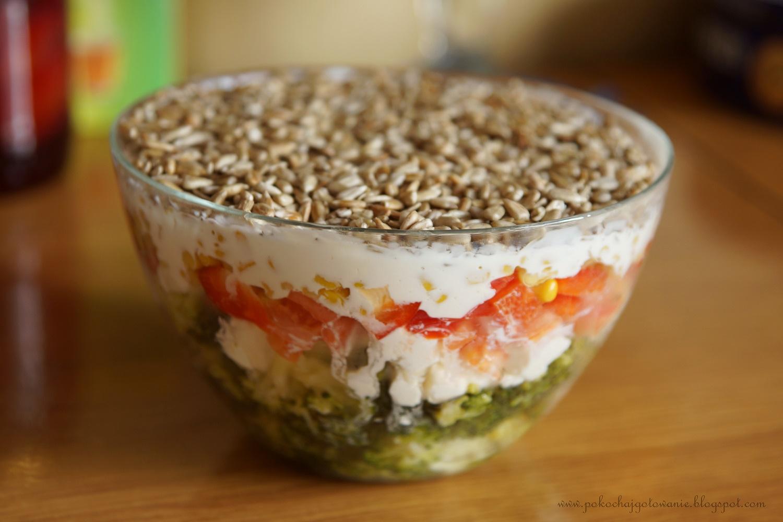 Pokochaj Gotowanie Salatka Warstwowa Z Brokulem I Slonecznikiem