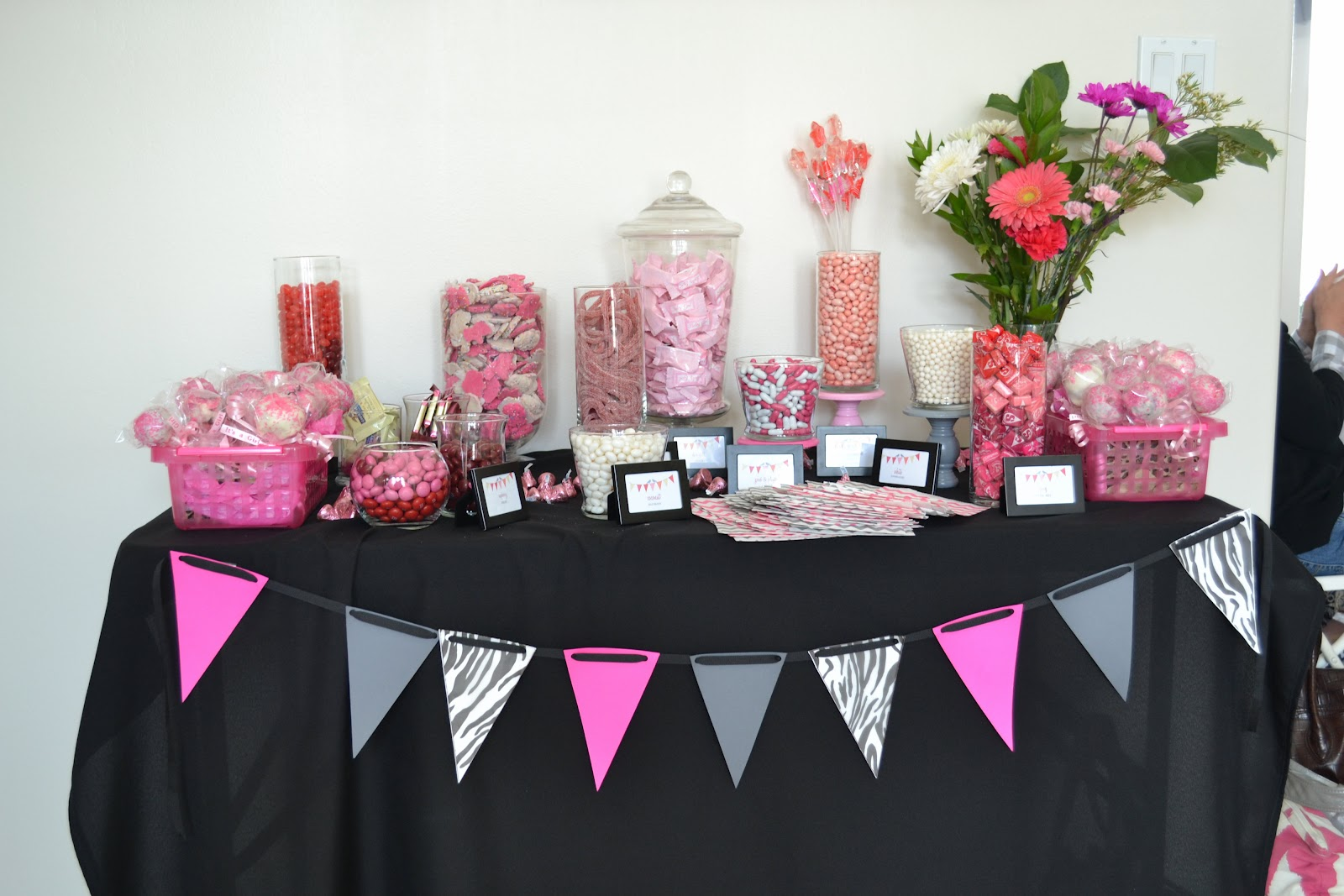 Sweet and Sour Showers: Guest Post: Pink and Zebra Baby Shower
