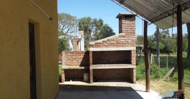 Estufas chimeneas y barbacoas barbacoa de playa for Chimeneas ladrillo visto