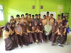 Kelas 12  angkatan 2012-2013