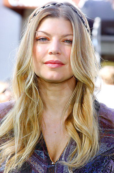 Long Center Part Romance Hairstyles, Long Hairstyle 2013, Hairstyle 2013, New Long Hairstyle 2013, Celebrity Long Romance Hairstyles 2169