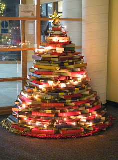 http://how-to-recycle.blogspot.ca/2012/12/creative-and-adorable-christmas-trees.html
