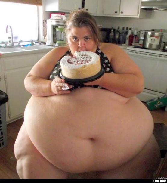 Damn+Girl+Eat+That+Cake