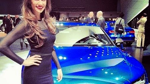 Girls of 2014 Detroit Motor Show