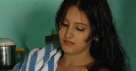 Aany Chechi Hot Malayalam Kambi Katha - BEST MALLU ...