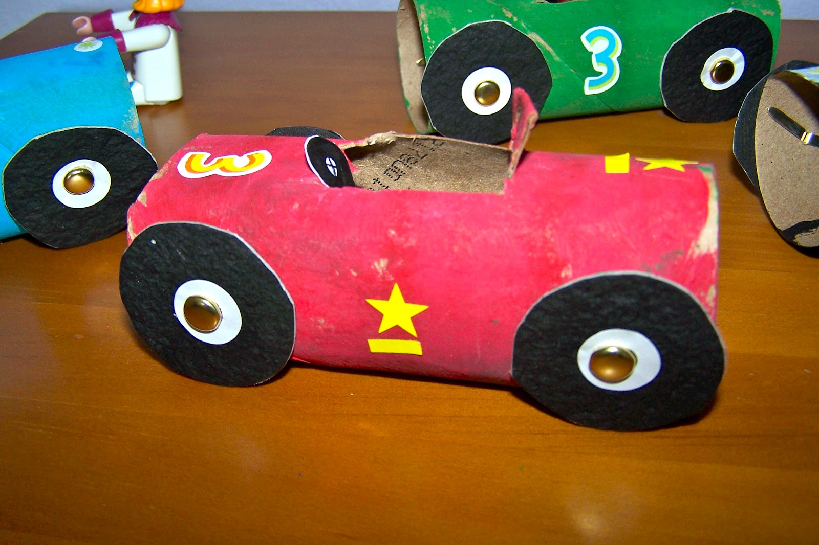 The princess and the tot toilet paper roll race cars for Toilet paper roll challenge