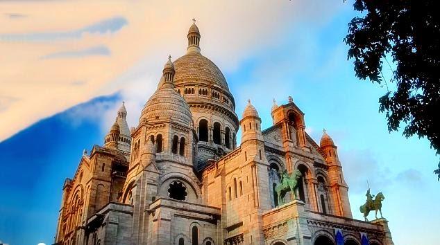 Fotografia della Basilica  del Sacre Coeur a Parigi