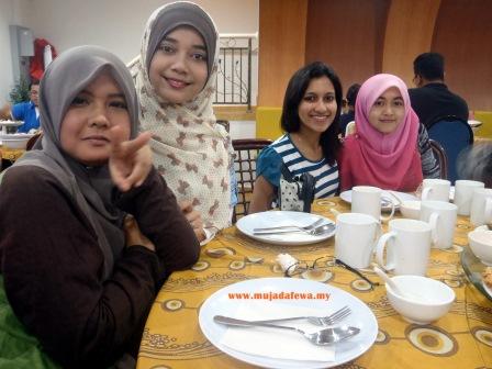 Majlis Berbuka Puasa Kelas 2014 Di Serunai Restaurant, Nurmujahidah, berbuka puasa, iftar berjemaah, restoran di pengkalan chepa, serunai restaurant