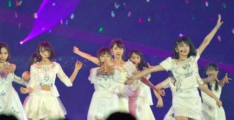 penampilan-pada-debut-single-akb48-yang-ke-40-bokutachi-wa-tatakawanai-di-ssa-03