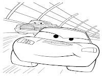 Lightning McQueen Berpacu Disirkuit Balap Mobil