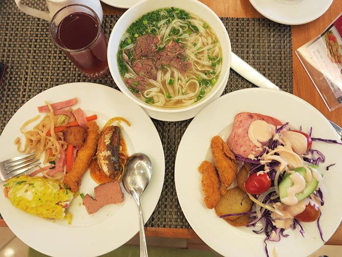 Hoang Hai Long breakfast