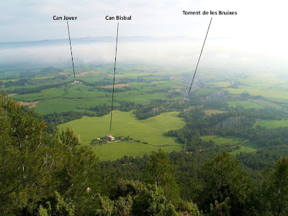 Can Bisbal, Can Jover i el Torrent de les Bruixes des del Mirador de La Tossa