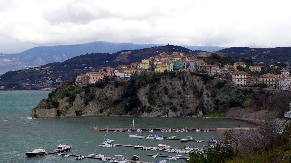 Blick auf die Altstadt von Agropoli im Cilento (Kampanien)