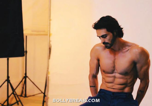 Arjun rampal 8 Packs , chest body pic - Arjun rampal Six Packs Body Pics