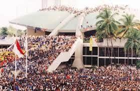 Rezim Otoriter dan Rezim Reformasi di Indonesia