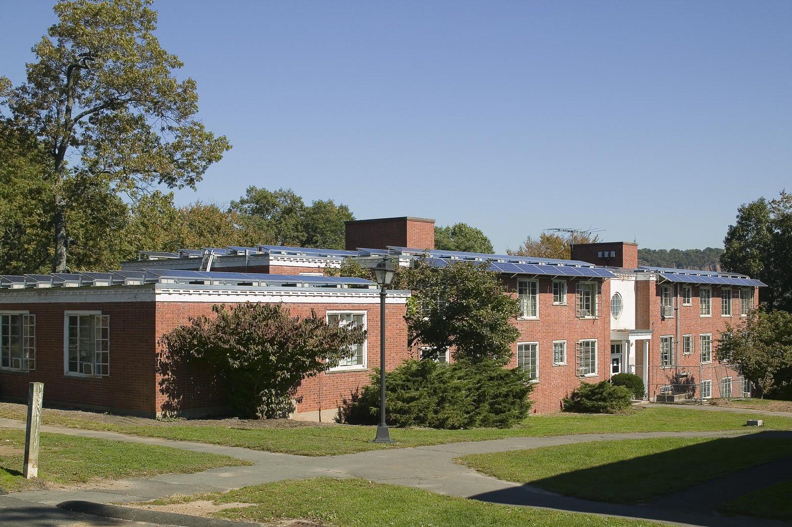 http://3.bp.blogspot.com/-3vCzDQJP1AA/TlJnuYG0ifI/AAAAAAAAD00/2S43gQKDtQw/s1600/Yale_University_Fisher_Hall_Picture_1.jpg
