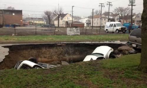 Chicago_sinkhole_photo