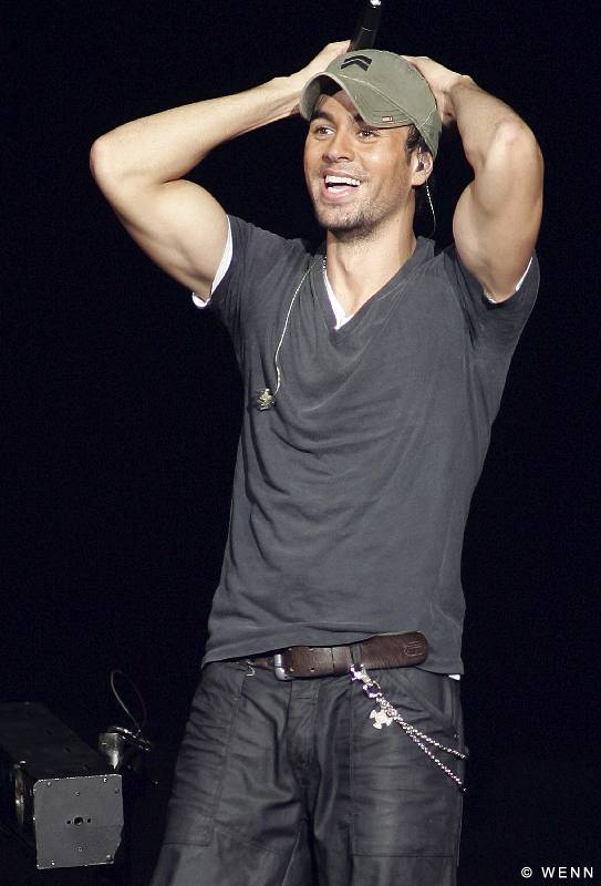 Enrique Iglesias Songs http://www.picshits.blogspot.com