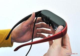 komputer sekecil kacamata