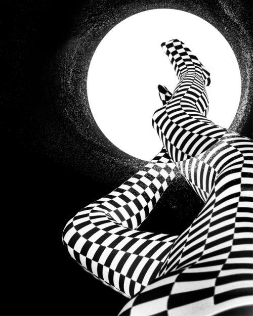 nydia lilian fotografia photoshop mulheres modelos malevich xadrez linhas geométricas