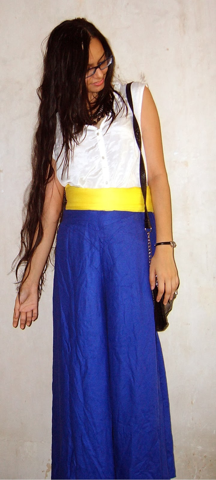 electric blue palazzo pants, white shirt, yellow belt, oversized, street shopping in mumbai, fashion blogger, streetstyle