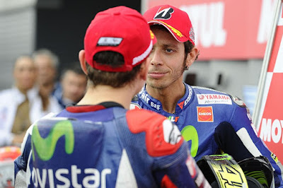Permusuhan Rossi - Lorenzo Baik untuk Yamaha?