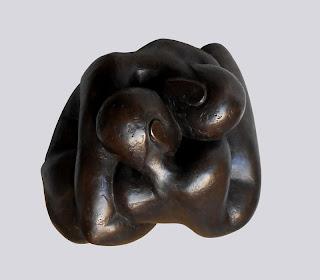 Statue style contemporain : Couple nu, enlacé