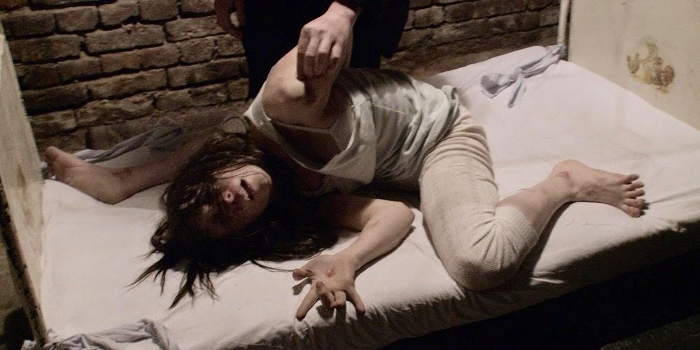 Bonnie Morgan em FILHA DO MAL (The Devil Inside)