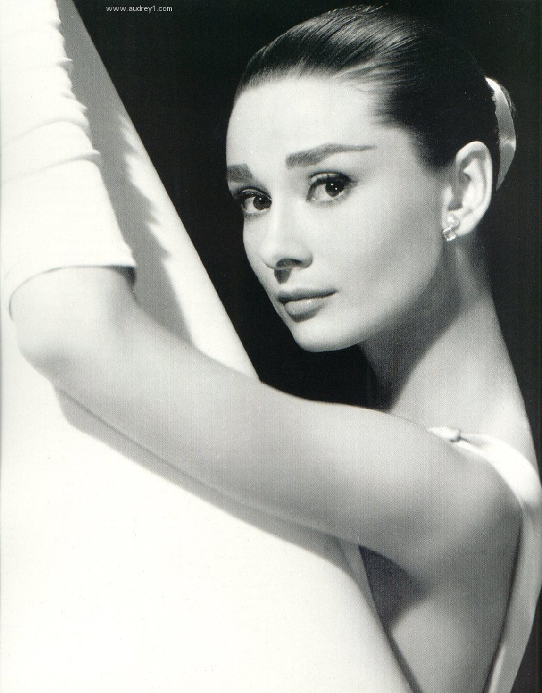 dazzling divas audrey hepburn. Black Bedroom Furniture Sets. Home Design Ideas