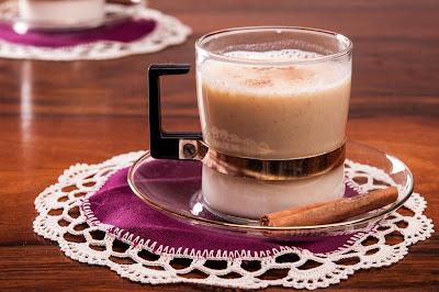 Бял горещ шоколад с тиква