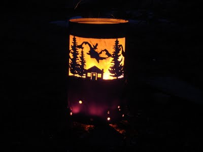 Homemade_Fire_Ring http://edsmetalcreations.blogspot.com/2011/07/fire-barrel-scenery.html