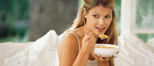 cara meningkatkan kekuatan otak dengan sarapan
