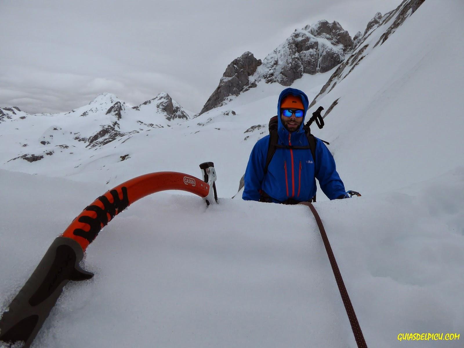 cassin x all mountain , fernando calvo guia de alta montaña uiagm