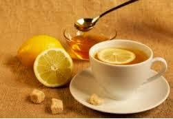 Health-Benefits-of-Drinking-Warm-Water-With-Lemon-and-Honey-in-Hindi