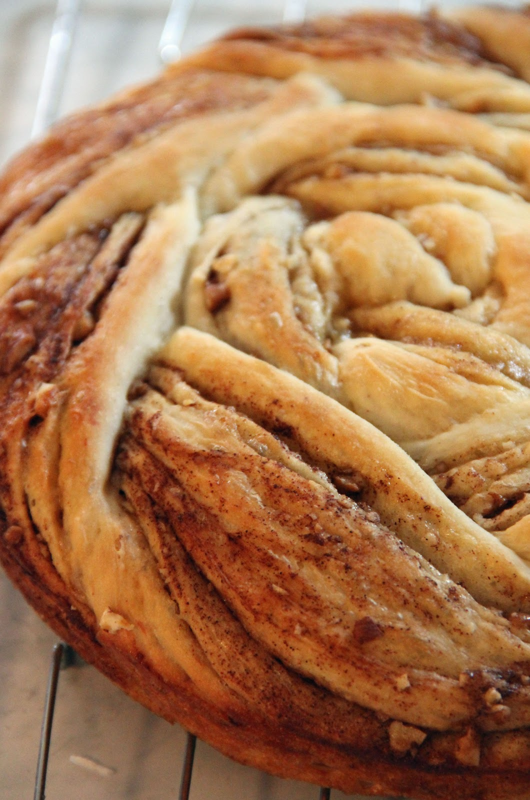 Jo and Sue: Cinnamon Roll Up Bread
