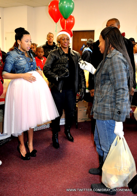 Picture of Keyshia Cole Pregnant Christmas 2010 - Worse Maternity Clothes Photo
