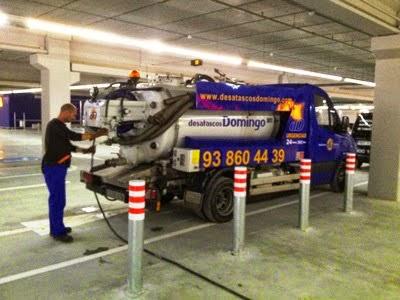Camión cuba para limpieza de fosas sépticas