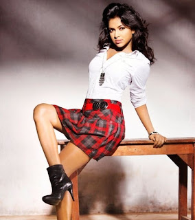 amala paul hot legs