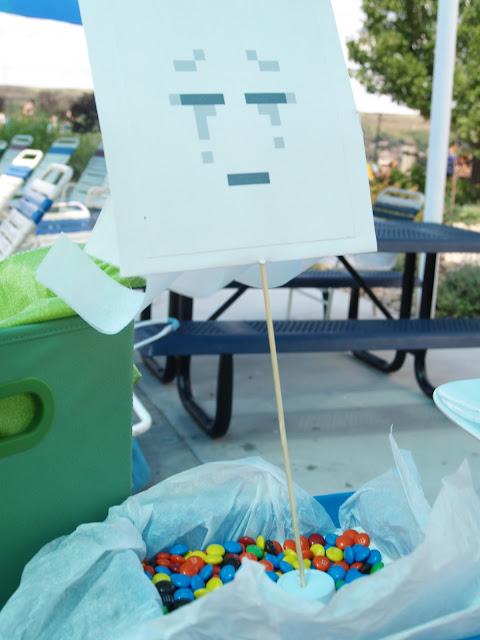 Minecraft Party Decor