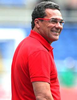 Cruzeiro confirma acerto com técnico Vanderlei Luxemburgo