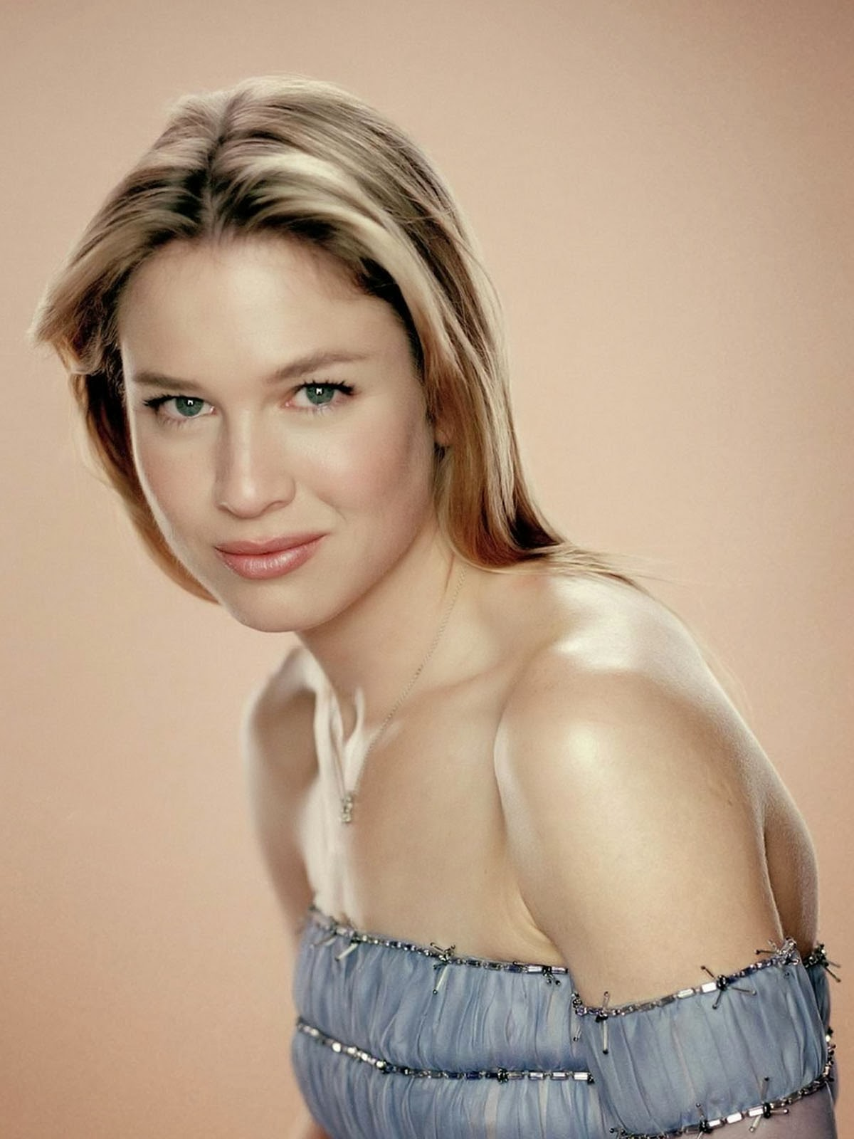 Renee Zellweger Smiley Photos