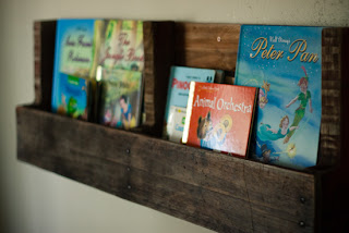Recycled Crafts:  diy pallet shelves by